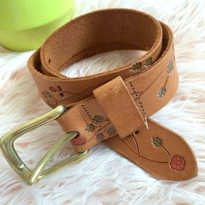 VTG Boho | floral pattern genuine leather belt